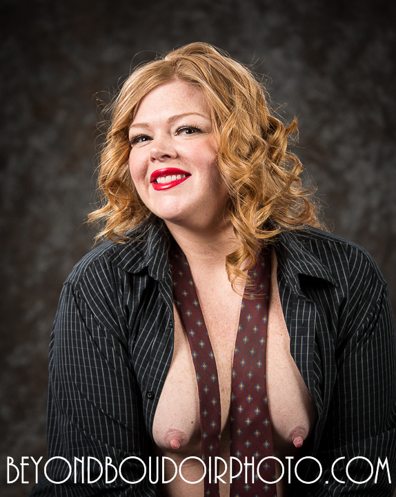 Curvy Girl Erotic Photoshoot 1