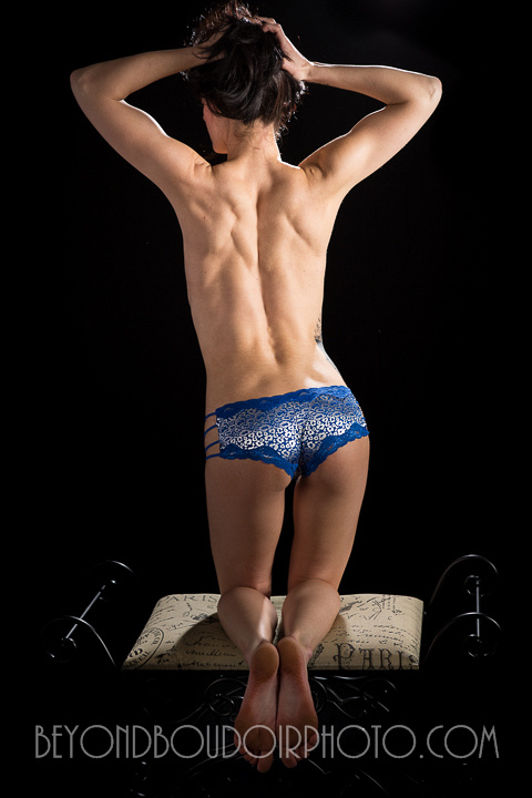 Blog photo of a shapely back by Portland's best nude photographer