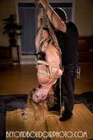 Suspension with natural rope in the studio